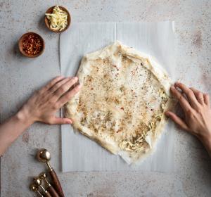 roll phyllo dough pizza crust