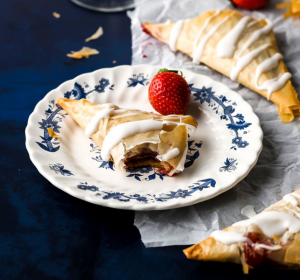 strawberry turnovers with phyllo dough